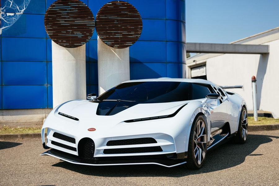 The Bugatti Centodieci: a bow to the EB110