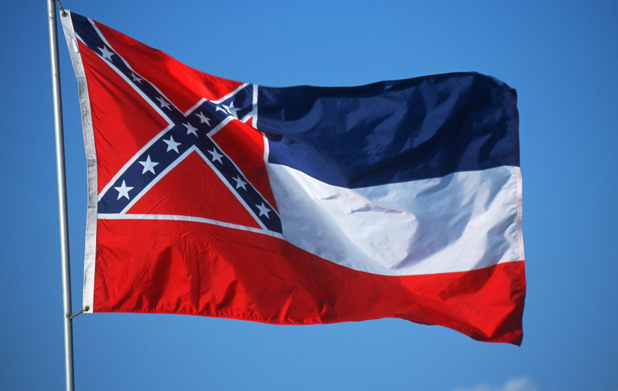 MS voters replace Confederate-themed flag with new design