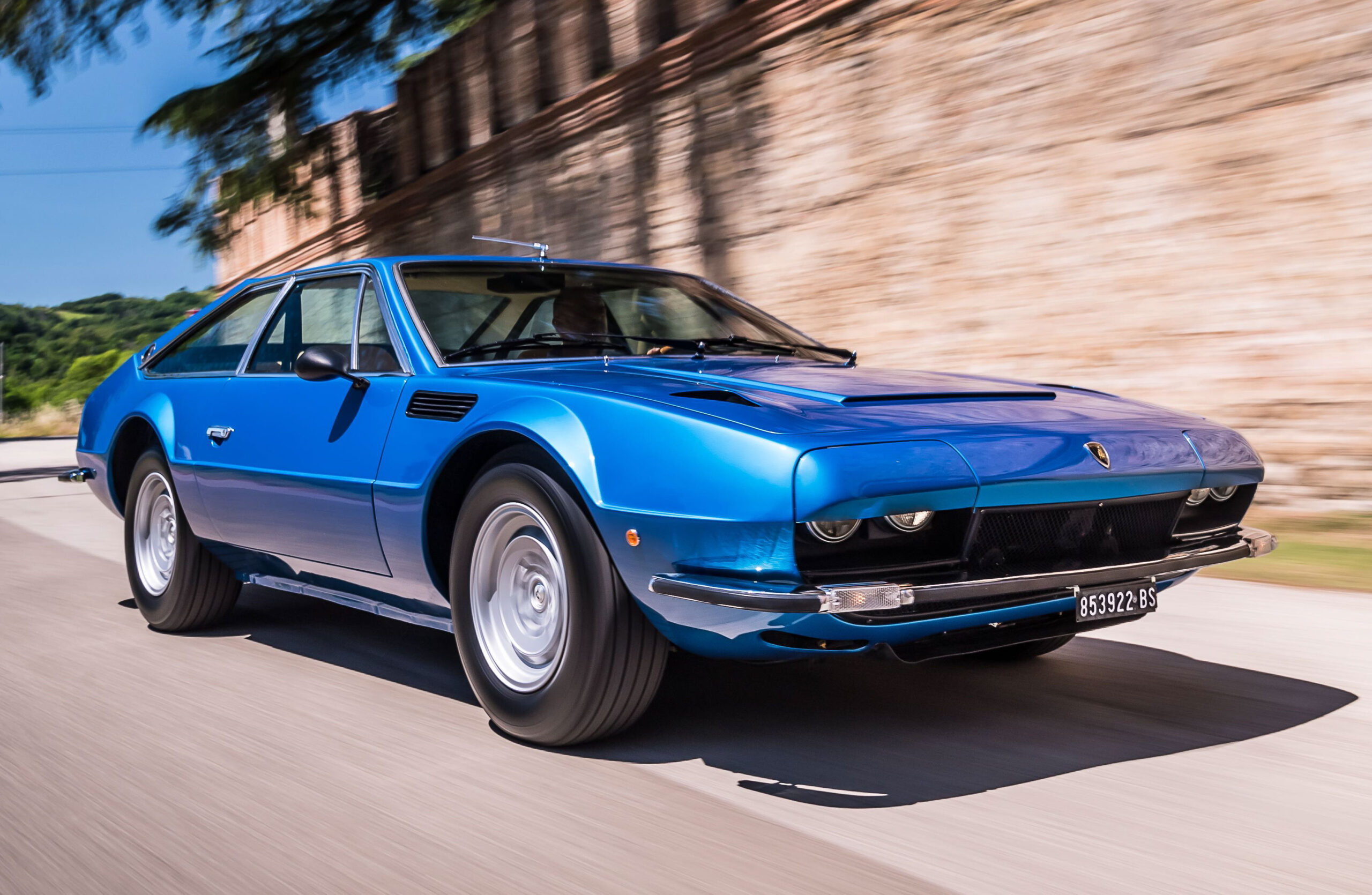 The Jarama, whose name derives from an area north of Madrid famous for breeding fighting bulls, was the latest evolution of the company's 2+2 grand touring sedan concept, with a V12-cylinder, 4-liter front-mounted engine. Units produced - Lamborghini Jarama GT: 1970-1973, 176, Lamborghini Jarama GTS: 1972-1976, 152
