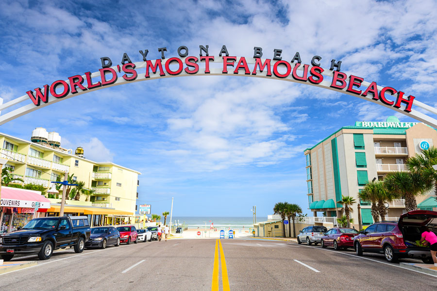 "Daytona Beach sign. The popular spring break destination is dubbed ""World's Most Famous Beach."" Daytona Beach, Florida - January 3, 2015. Editorial credit: Sean Pavone / Shutterstock.com, licensed."