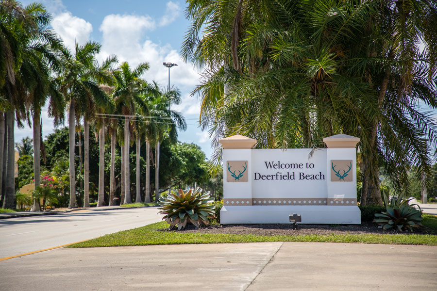 Welcome sign in the city of Deerfield Beach, FL. Photo credit ShutterStock.com, licensed.