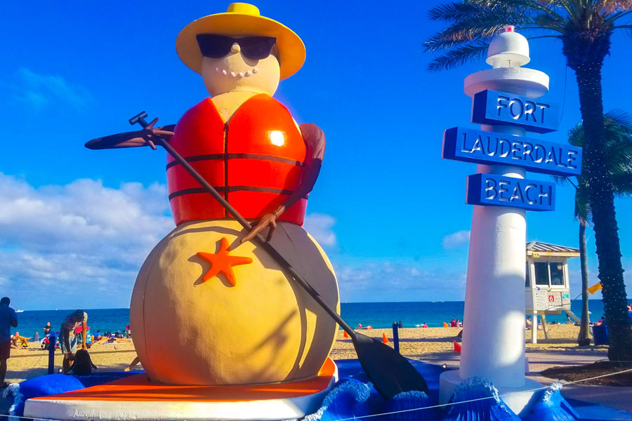 Sculpture of a snowman on the beach of Fort Lauderdale.
