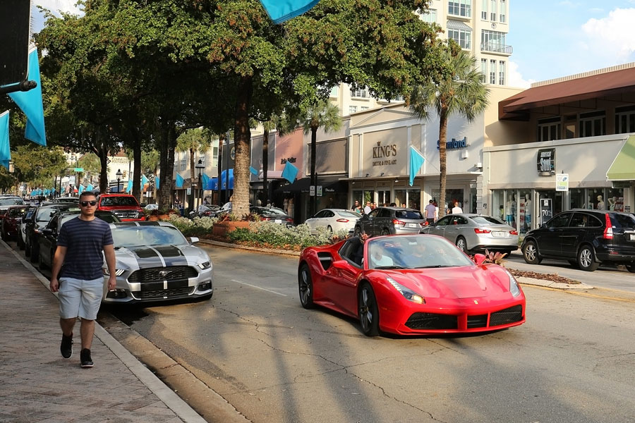 Las Olas Boulevard, a popular upscale tourist destination for shopping and dining, is considered the heart and soul of Fort Lauderdale, May 14, 2017.