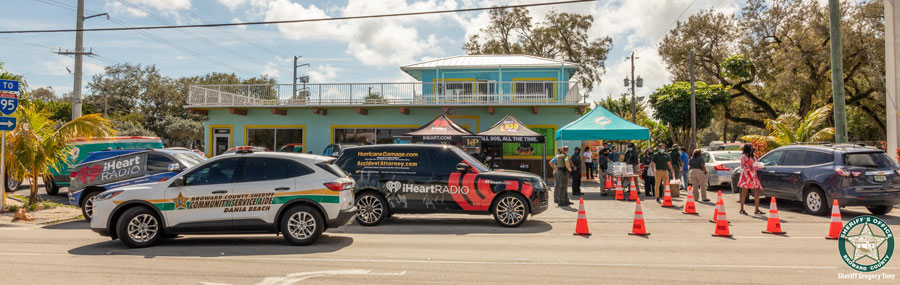 On Wednesday, February 10, nearly 1,000 people were treated to a hot meal as part of the Miami Dolphins Foundation Food Relief Program.