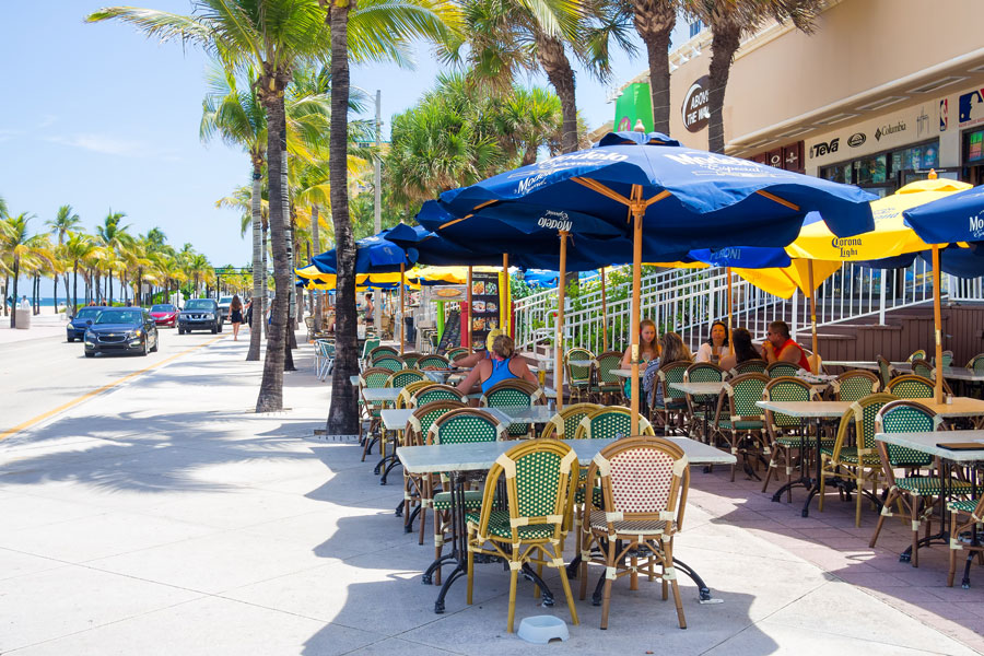 Outdoor café at Fort Lauderdale in Florida on a sunny summer day. August 11,2015.
