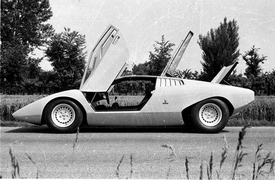 The LP 500 was a substantially different car than the Countach that would go into production in 1974.