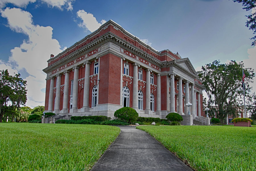 DeSoto Courthouse in Arcadia Florida. Photo credit ShutterStock.com, licensed.