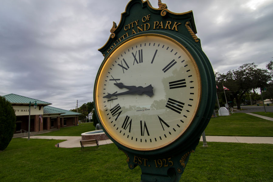 Fruitland Park City Hall Clock on March 25, 2019. Photo credit: Paulo Almeida Photography / Shutterstock.com, licensed.
