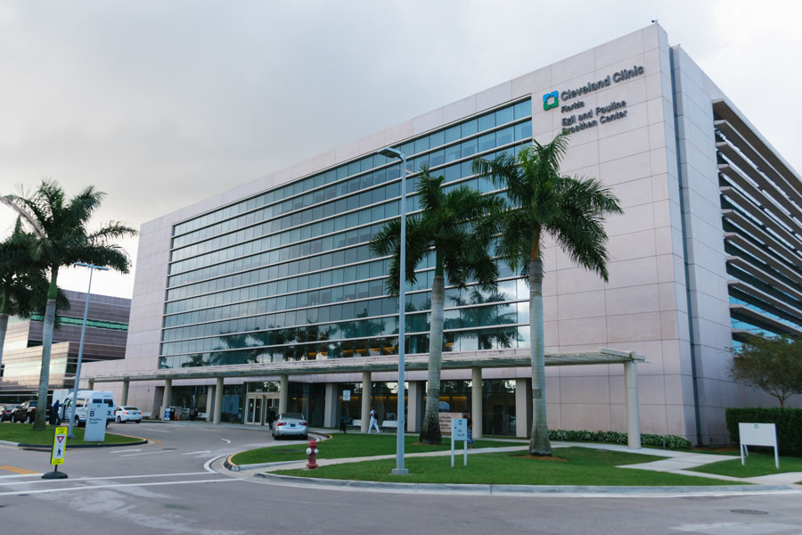 Cleveland Clinic in Weston on October 03, 2019. Photo credit: YES Market Media / Shutterstock.com, licensed.