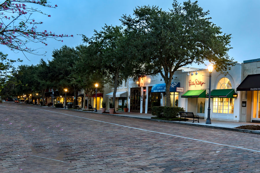 Early dawn at Winter Park with shopping and beautiful parks on September 16, 2019. Photo credit: Timothy OLeary / Shutterstock.com, licensed.