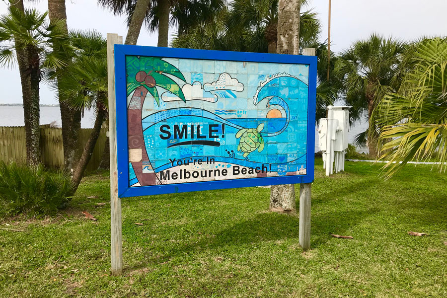 Melbourne Beach Florida welcome sign taken on April 01, 2019. Photo credit: Dale Borchardt, Shutterstock.com, licensed.