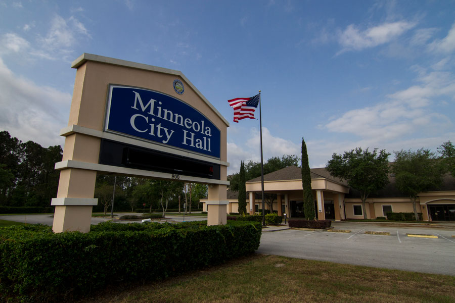 The Minneola city hall building in Minneola, Florida on April 11, 2020. Photo credit: Paulo Almeida Photography, Shutterstock.com, licensed.