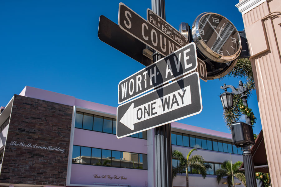 Worth Avenue sign in Palm Beach, Florida. Palm Beach is the home of many famous and wealthy individuals in Florida. December 6, 2017. File photo: Michael Gordon, Shutterstock.com, licensed.