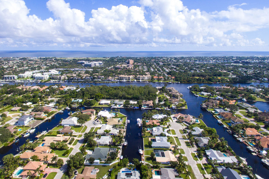 An aerial view of real estate in Palm Beach Gardens, FL. Photo credit ShutterStock.com, licensed.