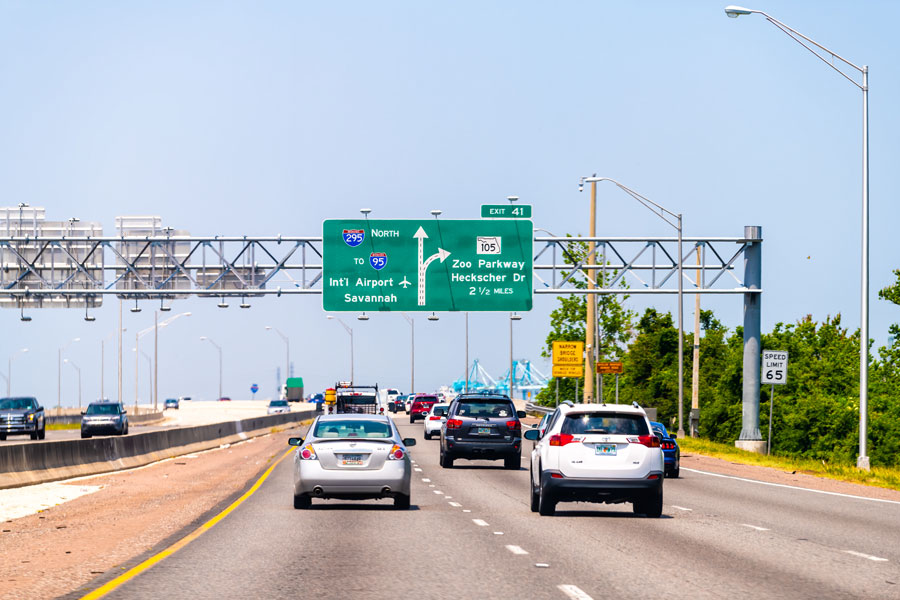 Florida interstate highway 295 with a road sign to I-95 International Airport of Savannah and Zoo parkway. Jacksonville, Florida on May 10, 2018. File photo: Andriy Blokhin, Shutterstock.com, licensed.