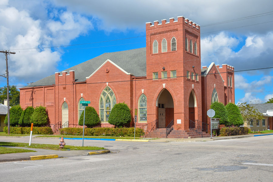 The First United Methodist Church of Wauchula offers Sunday morning Worship gatherings, Sunday School classes for all ages, and growing Home Groups. Downtown Wauchula Florida.