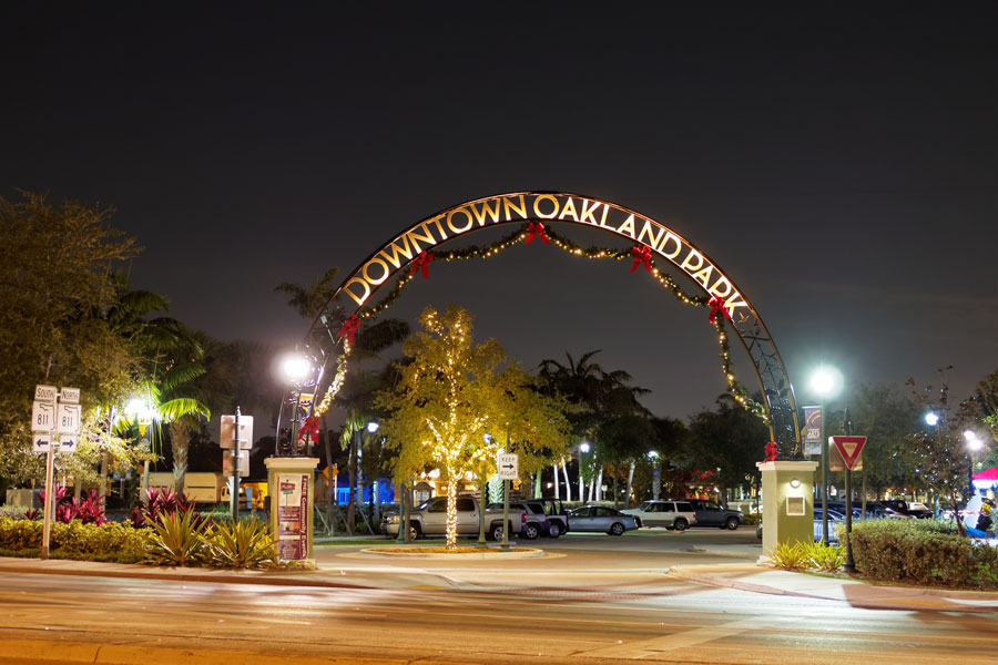 Downtown Oakland Park's landmark arch decorated for the holidays. January 4, 2017.