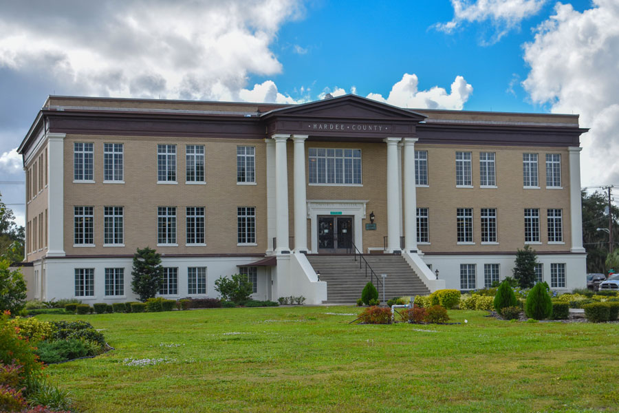 The Hardee County Clerk of Court, 417 W Main St, Wauchula, FL 33873. Photo credit ShutterStock.com, licensed.