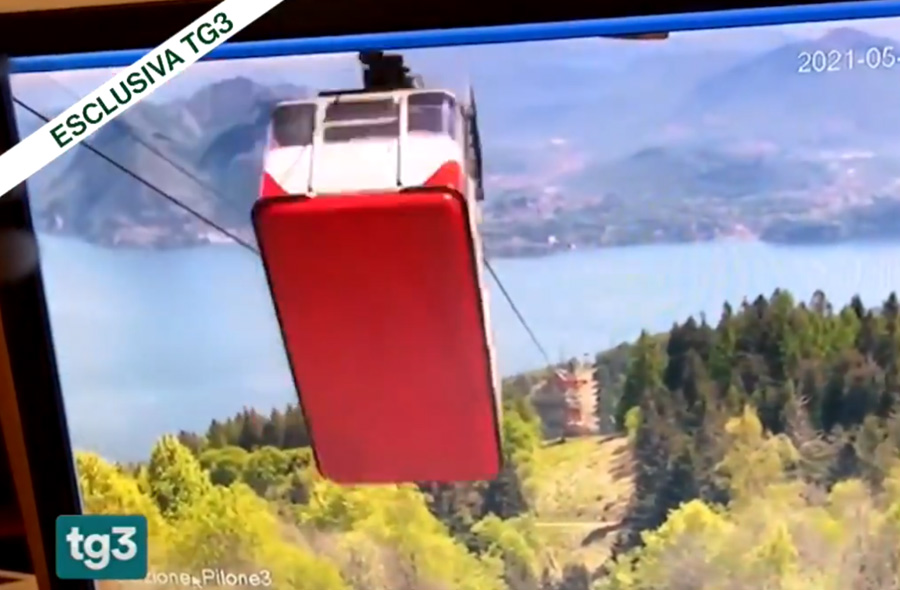 Italian news outlet TG3 showing a sudden cable break then causes the cable car to jerk violently and then propel at speeds of up to 60 miles per hour down the mountainside it had just traversed over, eventually crashing at the bottom.