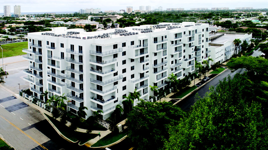 Residents can choose from a collection of one- and two-bedroom apartments ranging from 787- to 1,436-square feet. Upper floors have views of the Pompano Beach municipal golf course and community park.