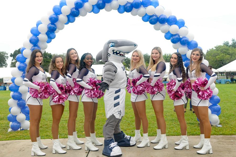 Nova Southeastern University Cheerleaders. Photos courtesy of NAMI Broward County.