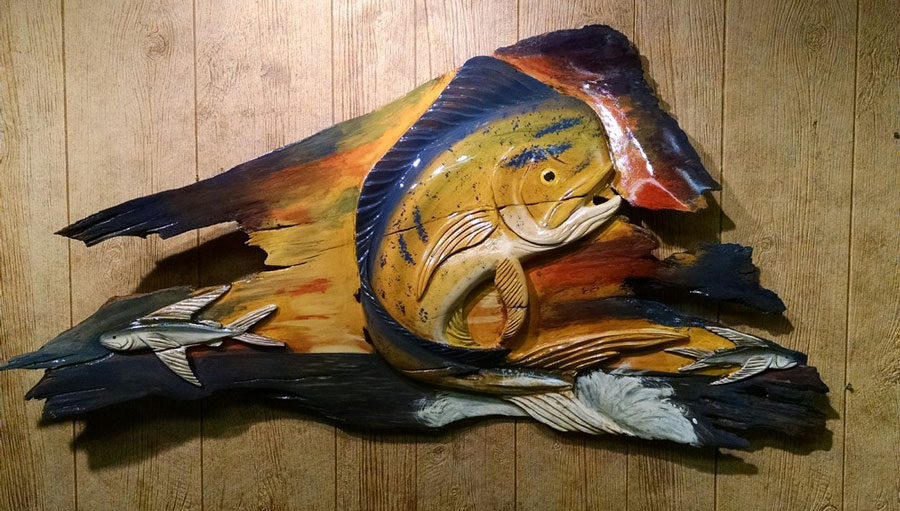 Stuart's own Anthony Garguilo sculpts lifelike wildlife using mixtures of wood, stucco and metal before finishing details through fine acrylic painting.
